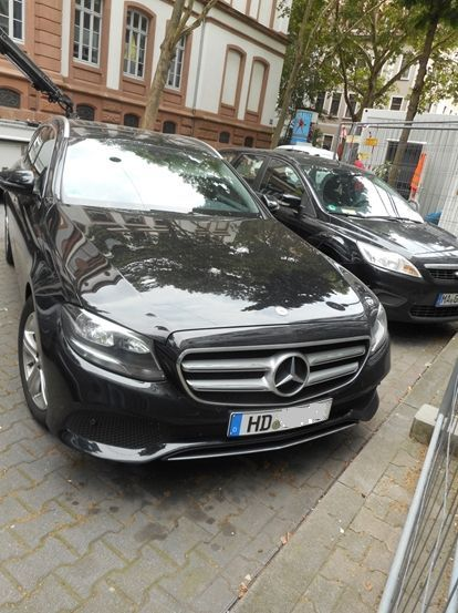 MercedesGesch%E4ftswagenderGesuchten1.jpg